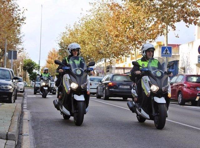Policías Locales de Benalmádena en moto