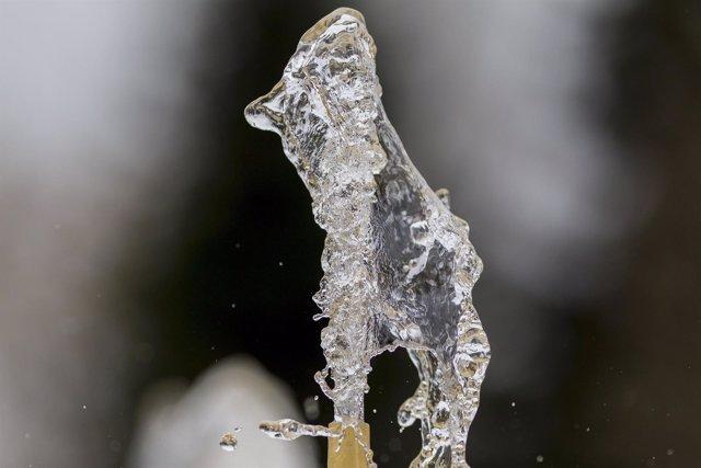 Fuente de agua, gotas