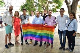 Ruiz Espejo aboga por reforzar al colectivo LGTBI dentro del PSOE y propone planes de formación y divulgación