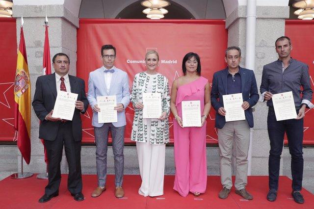 Cifuentes con los alcaldes de cinco municipios
