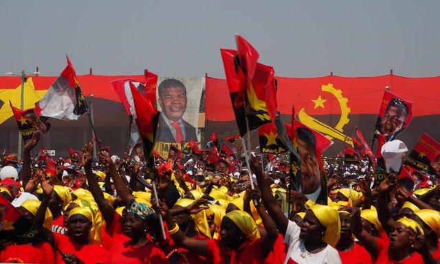 Acto de apoyo al MPLA en Angola