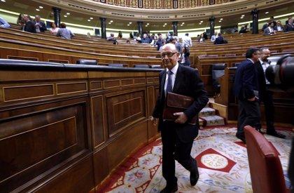 Unanimidad en el Congreso para que Montoro explique su amenaza de dejar a Cataluña sin FLA