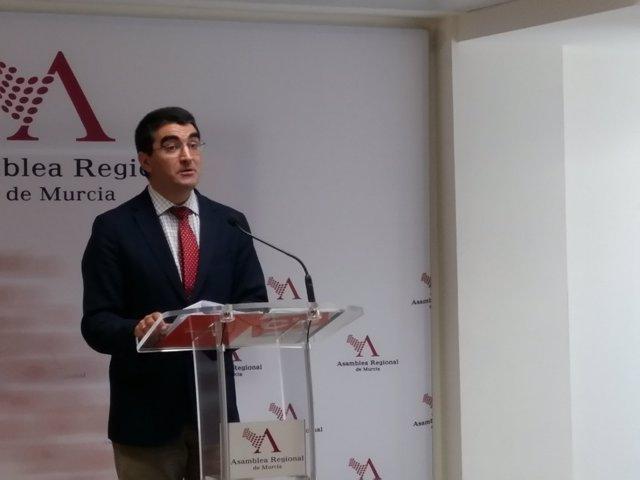 Miguel López, en rueda de prensa