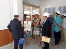La consellera C.Ponsatí visita un instituto de Figueres