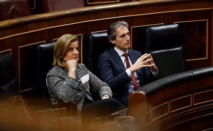 Sólo De la Serna rendirá cuentas en el Congreso por El Prat: el Congreso 'libra' a Báñez de comparecer