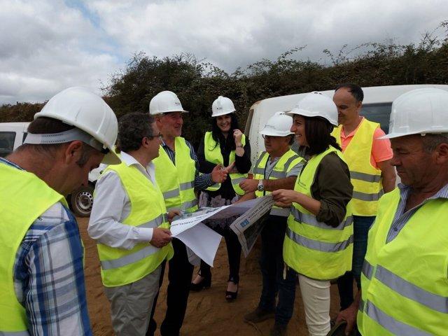 Ángeles Vázquez y Pérez Dubois visitan las obras de las vías de Arzúa