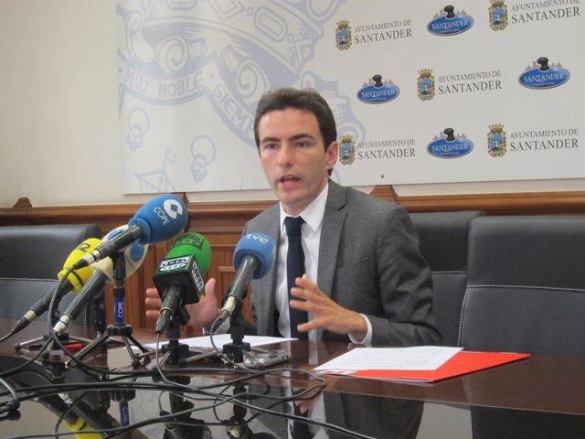 Pedro Casares, secretario general del PSOE de Santander