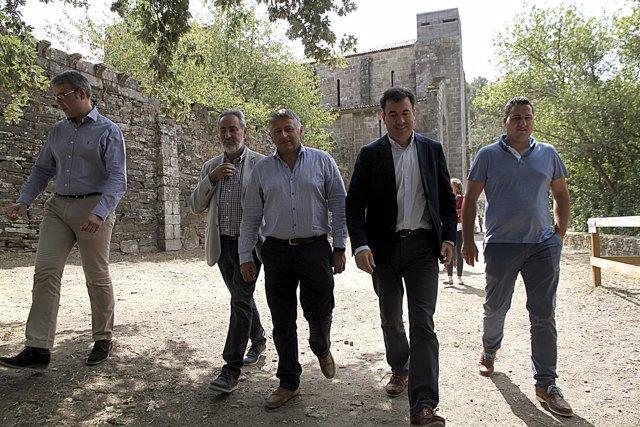 Visita de Román Rodríguez a Carboeiro