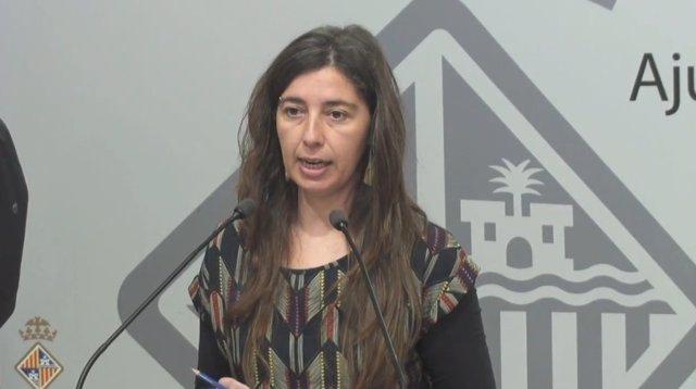 La portavoz del Ayuntamiento de Palma, Neus Truyol, en rueda de prensa