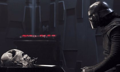"""Kylo Ren se enfrentará a un """"inesperado"""" suceso en Star Wars: Los últimos Jedi"""