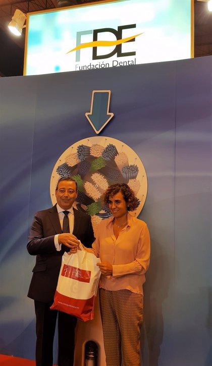 Montserrat visita el Congreso Dental Mundial que se celebra estos días en Madrid