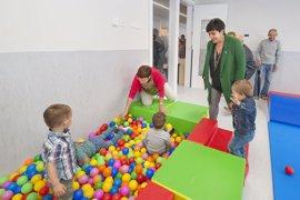 Solana visita la nueva escuela infantil municipal Txirinbulo de Alsasua