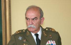 Un teniente general retirado pide a Fiscalía acusar a los Mossos de negligencia en los atentados
