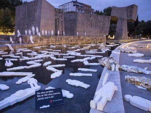 Una playa en Colón rinde homenaje a los más de 500 niños muertor en el mar