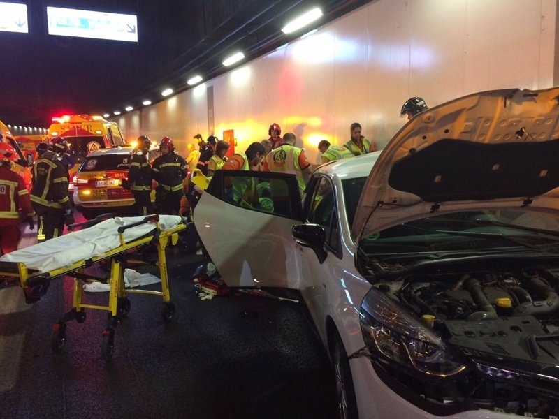 Herido el conductor de un coche en la M-30 al ser embestido por otro cuyo conductor se ha fugado