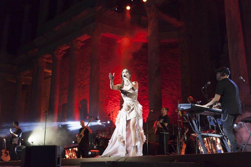 India Martínez reanuda el Stone & Music con un lleno en el Teatro Romano de Mérida