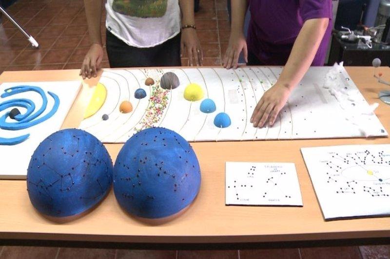 """Los ciegos pueden """"sentir"""" el universo en el Observatorio de Monfragüe"""