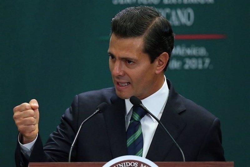 """Peña Nieto promete defender el TLCAN y la """"dignidad nacional"""" ante EEUU"""