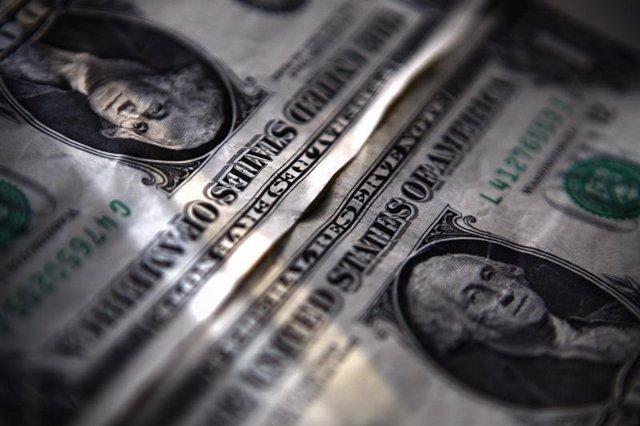 Billetes de dólar en Toronto