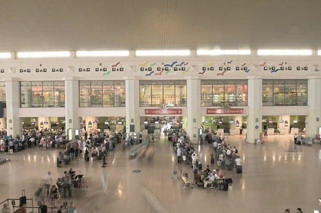 Terminal Pablo Ruíz Picasso/Terminal 2/Aeropuerto de Málaga [AGP].