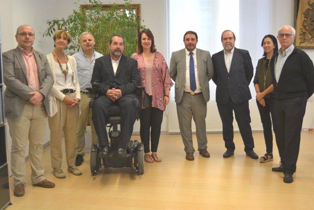 Recepción en el Parlamento de Navarra al patronato de la Fundación Caja Navarra