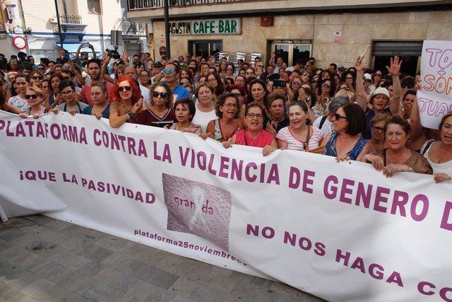 Concentración contra la violencia de género en Maracena (Granada)
