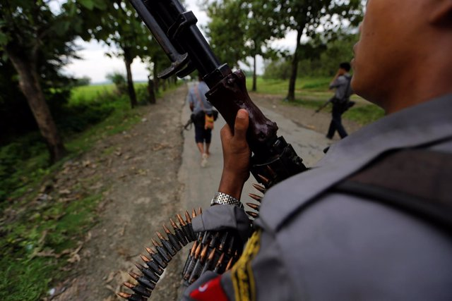 Presencia policial en Rajine