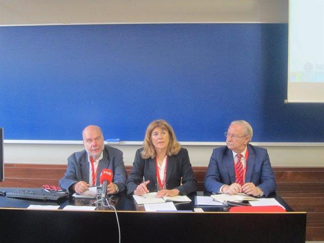 A.Segura, B.González (Sespas) y S.Romero (OMC)