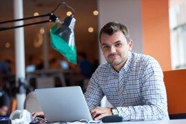 El emprendedor español es hombre, ingeniero, de 36 años y ha creado más de una startup