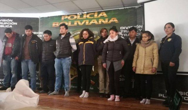 8 BOLIVIANOS