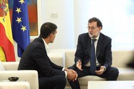 Sánchez apoya a Rajoy en la defensa de la ley en Cataluña, pero recuerda que la solución llegará con el diálogo