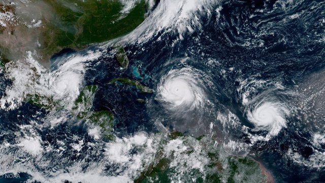 Imágen de satélite de los huracanes 'Katia', 'Irma' y 'Jose'