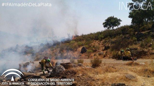 Incendio en Almadén de la Plata
