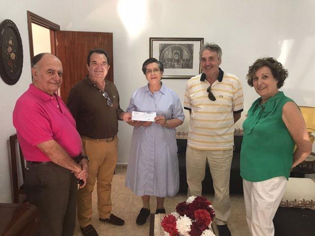 La Casa de Melilla en Madrid hace una donación para un centro de acogimiento