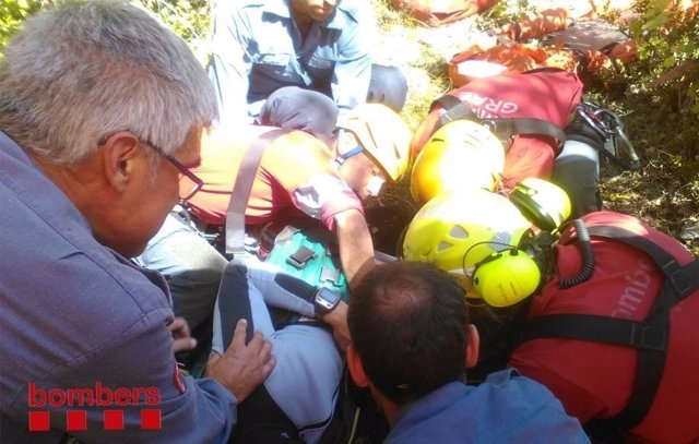Rescate de un parapentista en Montmajor (Barcelona)