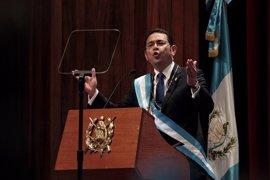 Una comisión del Congreso de Guatemala recomienda que se retire la inmunidad al presidente del país