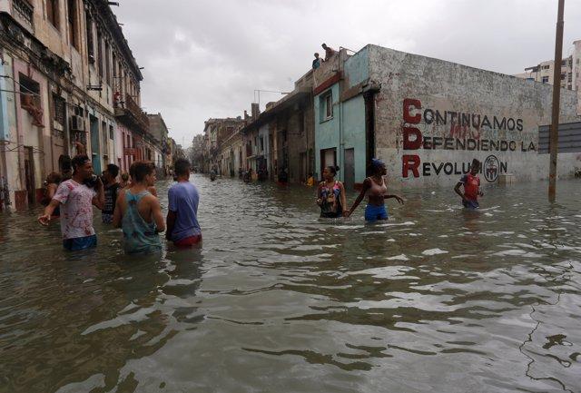 Calles inundadas en La Habana
