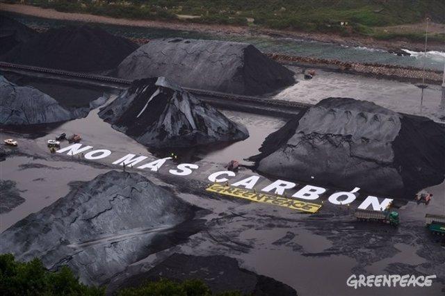 Acción de Greenpeace en Oviedo