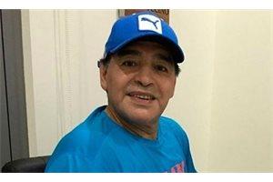 ¿Qué le pasa a Maradona en este vídeo? Las redes sociales le acribillan a críticas