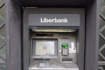 Liberbank repunta más de un 2% a la espera de la decisión de la CNMV sobre ventas en corto