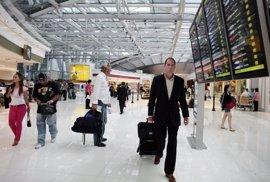El Aeropuerto de Ibiza registra un 6,6% más de pasajeros en lo que va de año, con 5,6 millones de usuarios