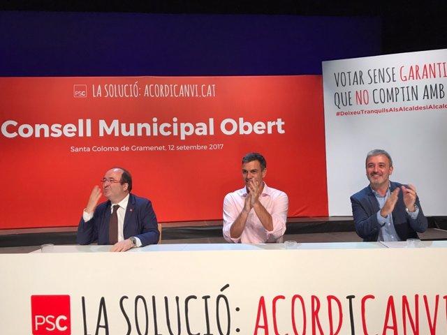 Miquel Iceta (PSC), Pedro Sánchez (PSOE) y Jaume Collboni (PSC)