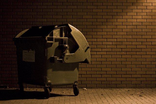 Rescatan a una recien nacida que estaba en un basurero en Santander