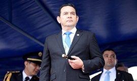 Abierta una investigación en Guatemala en torno a un bono salarial que entrega el Ministerio de Defensa al presidente
