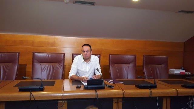 El diputado José Ramón Blanco presenta la PNL en rueda de prensa
