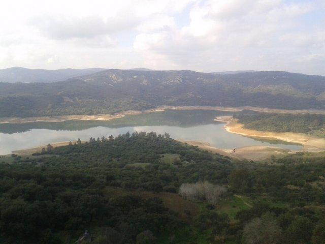 Embalse del Guadarranque desde Castellar de la Frontera