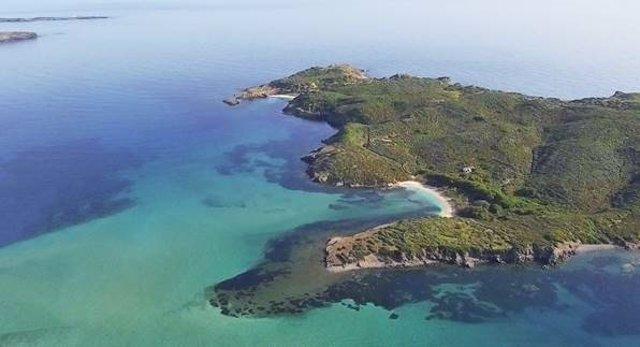 La isla menorquina d'en Colom baja de precio un 29% en un año