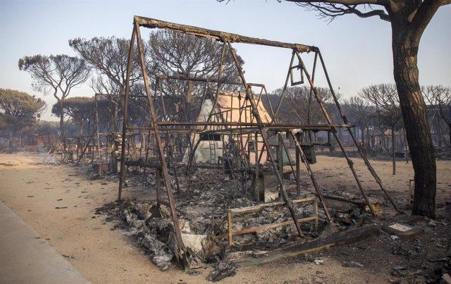 Camping Doñana, afectado por el incendio de Moguer (Huelva)