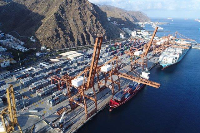Puerto de Santa Cruz de Tenerife donde opera TCTenerife
