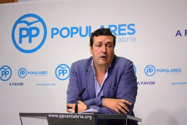 Iñigo Fernánez en rueda de prensa